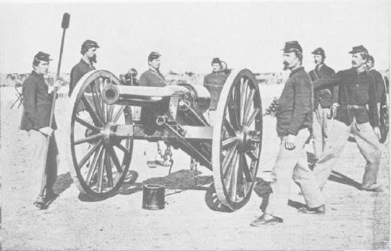 Union Parrott rifle and crew.jpg
