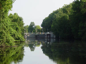 Great Dismal Swamp Canal Lock.jpg