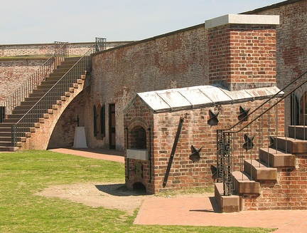 Battle of Fort Macon Civil War.jpg