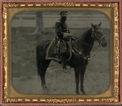 Civil War Cavalry soldier with saber.jpg