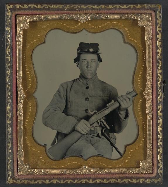 Confederate Cavalryman with Enfield rifle.jpg