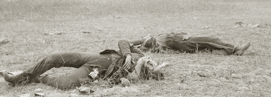 dead Civil War soldiers on the battlefield.jpg