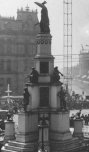 Michigan Soldiers and Sailors Monument.jpg