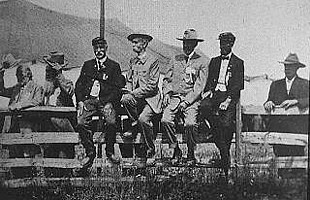 Union and Confederate Veterans in 1913.jpg