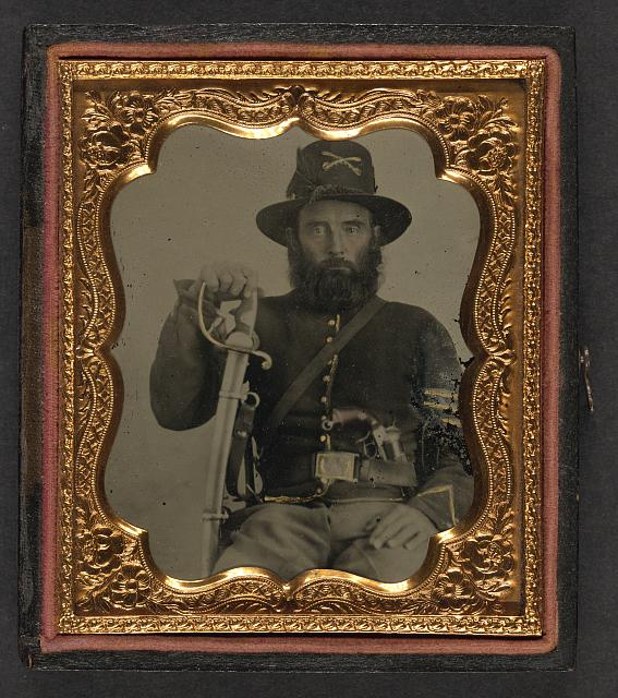 Union Cavalry soldier with French revolver.jpg