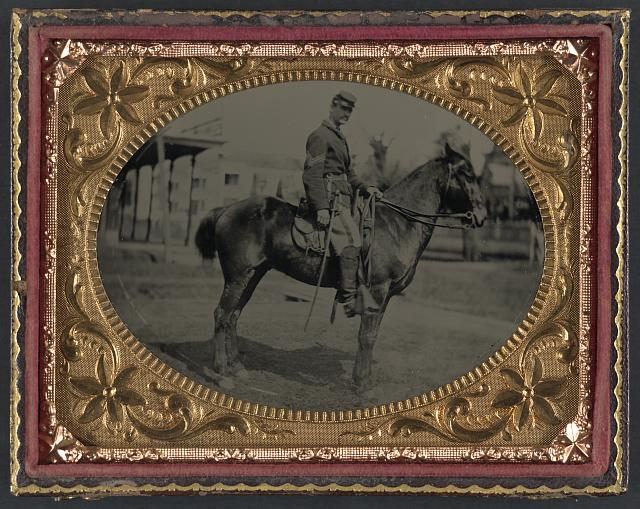 Union soldier mounted on steed.jpg